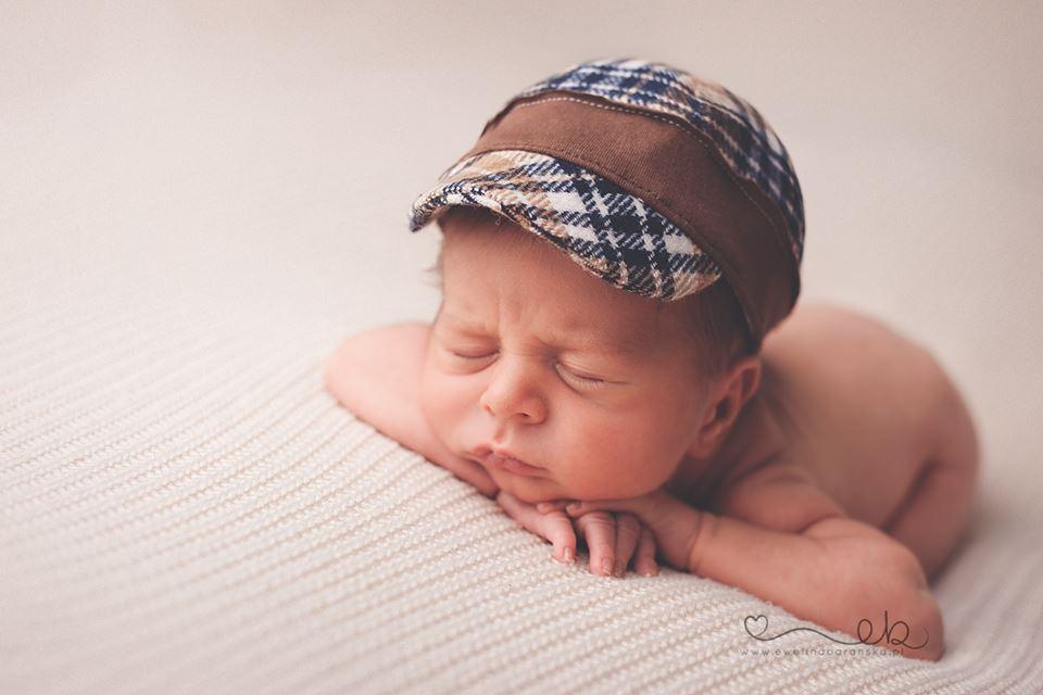 Bruno – noworodki na sesji. Fotografia niemowlęca.